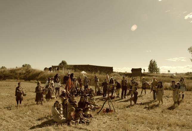 PIÑA DE CAMPOS: Queremos recordar y honrar el espíritu de las Tribus Indias, pueblos unidos que honraban a la Tierra, los animales, el cielo y todo lo que les rodeaba, sabedores de que esa era su verdadera riqueza. FOTO: Aroa Miguel González