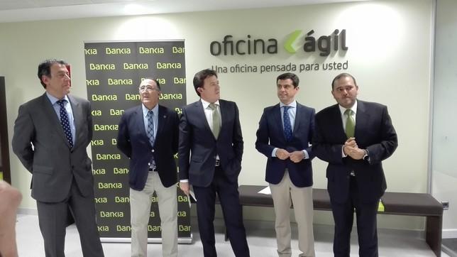 bankia inaugura su oficina gil la tribuna de albacete