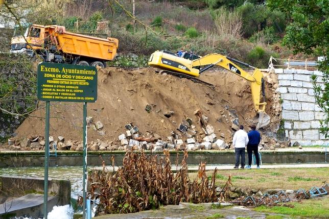 Arenas de san pedro piscinas entre las poblaciones de for Piscinas naturales de arenas de san pedro