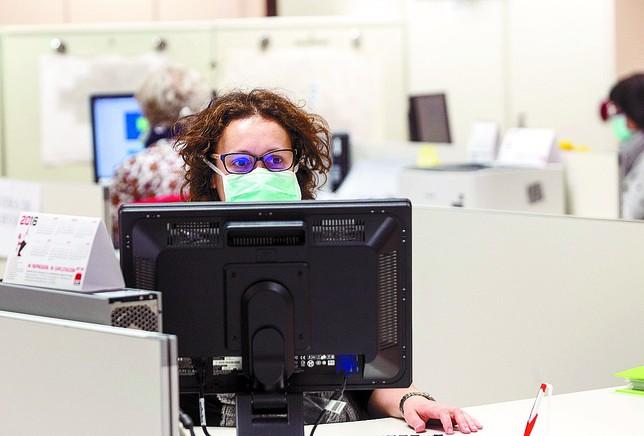 Disminuye el mal olor en la oficina de atenci n al for Oficina atencion al contribuyente madrid