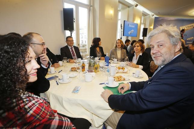 Un momento del desayuno informativo organizado por el diario La Tribuna y el Banco Sabadell, que ha contado con la presencia de Emiliano García-Page, presidente de Castilla-La Mancha