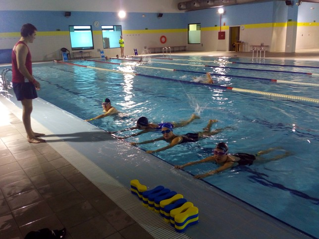 La piscina cubierta y el 39 spa 39 alcanzan los accesos for Piscinas palencia