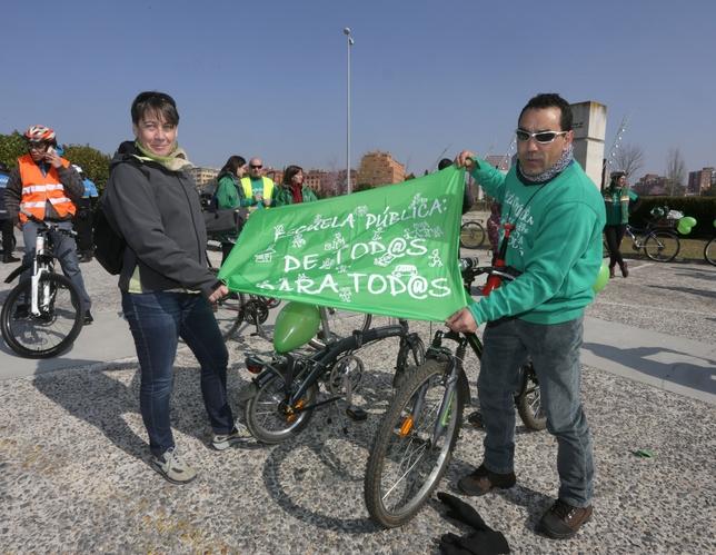 'Bicicletada' celebrada ayer en Valladolid. César Minguela