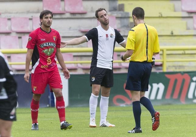 Tras rechazar la oferta de renovación de Ángel Viadero, Odei Onaindia dejó el Burgos para irse al Marbella, pero abandonó el equipo antes de empezar la liga y encontró acomodo en el filial del Athletic. Ahora podría volver a El Plantío. Alberto Rodrigo