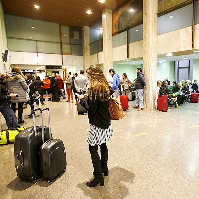 Los pasajeros quedaron retenidos en la Estación de Tren de Valladolid J.TAJES