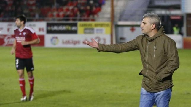 Álvarez de los Mozos se ha estrenado con victoria en el banquillo rojillo.  @LaLiga