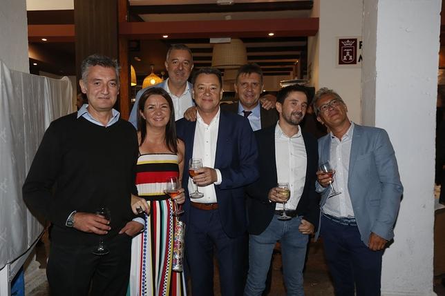 El tradicional encuentro organizado por 'La Tribuna de Albacete' reunió a los principales representantes de la sociedad regional y albacetense, una velada en la que ejerció de anfitrión el editor del diario, Antonio Méndez Pozo. /Rubén Serrallé