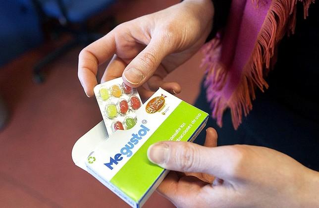 Los caramelos, que se presentan en cajas como las de los medicamentos, son para jóvenes de más de 14 años. Jesús J. Matías