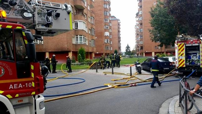 Incendio en un garaje de La Rubia @PoliciaVLL
