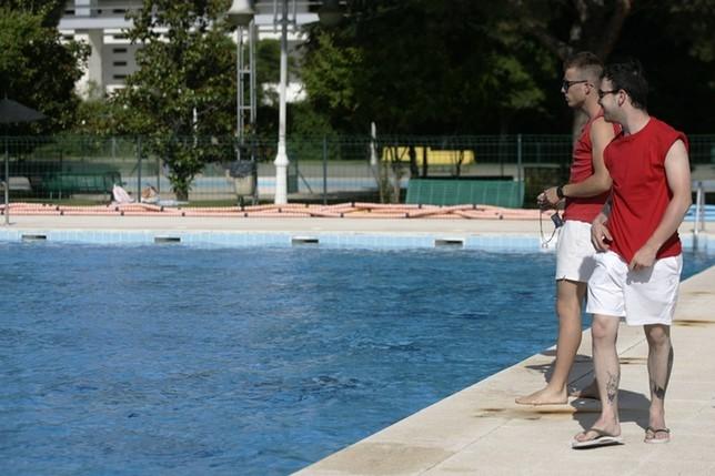 Sin socorristas para las piscinas la tribuna de talavera for Piscinas talavera