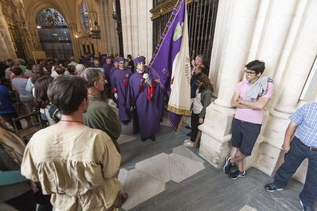 La Misa del Día de Santiago, celebrada en la Capilla Mayor de la Catedral, cuenta con la vistosa participación de los Caballeros de la Orden de Santiago