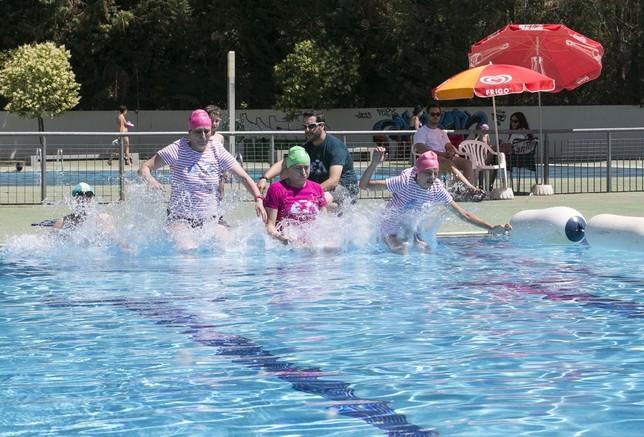 Las piscinas cierran mes con ba istas diario for Piscinas municipales palencia