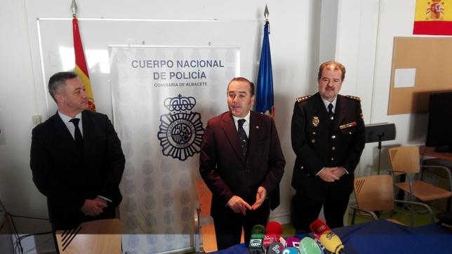 Iniesta, Gregorio y Roldán antes de la rueda de prensa. J. G.