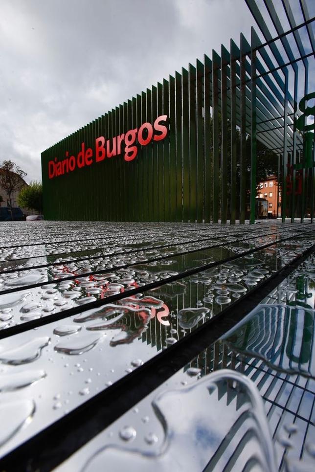 Conmemora el 125 aniversario de Diario de Burgos y está situada entre el puente de Castilla y la avenida Conde de Guadalhorce. Alberto Rodrigo