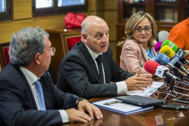 Vicente Manuel Rouco, durante sus palabras de apoyo a los Magistrados y fuerzas de seguridad catalanas Fotos: Rueda Villaverde