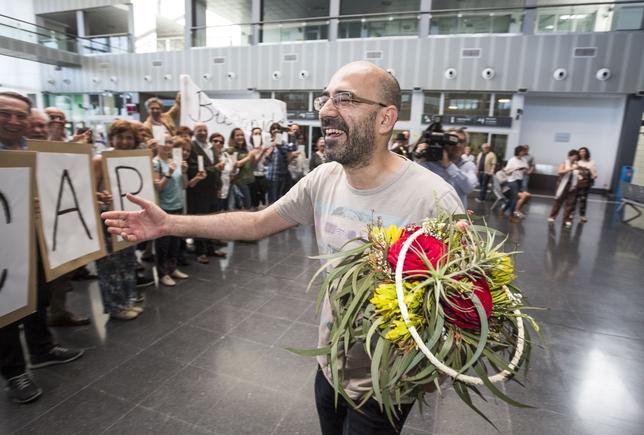 La Asociación de Libreros de Burgos homenajea a Óscar Esquivias, Premio Castilla y León de las Letras 2016.