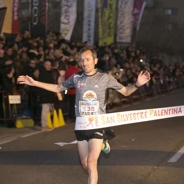 Fernández por fin subió a lo más alto en Palencia Sara Muniosguren