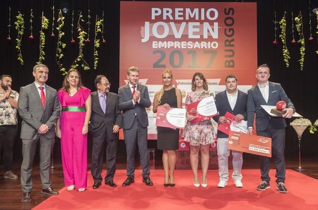 Entrega del Premio Joven Empresario en el salón de actos de la Casa del Cordón.