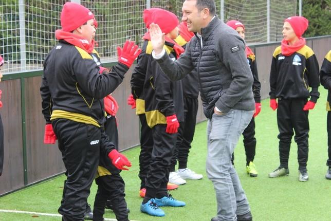 Eusebio, con la Escuela de Fútbol inclusivo de la FES
