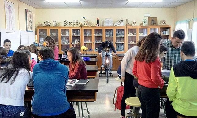 Escolares aprenden sobre energía