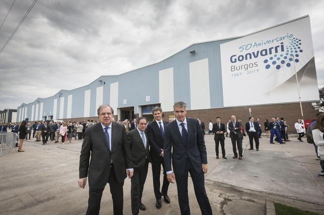 La fábrica de Gonvarri celebró su 50 cumpleaños con la presencia en Burgos de los hermanos Riberas y el presidente de la Junta
