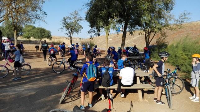 60 escolares en bici