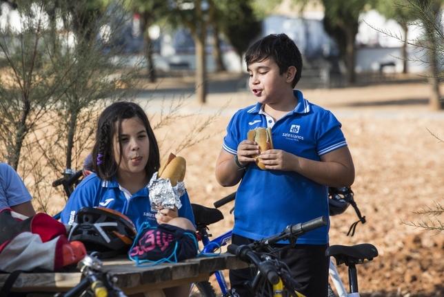 60 escolares en bici RUEDA VILLAVERDE