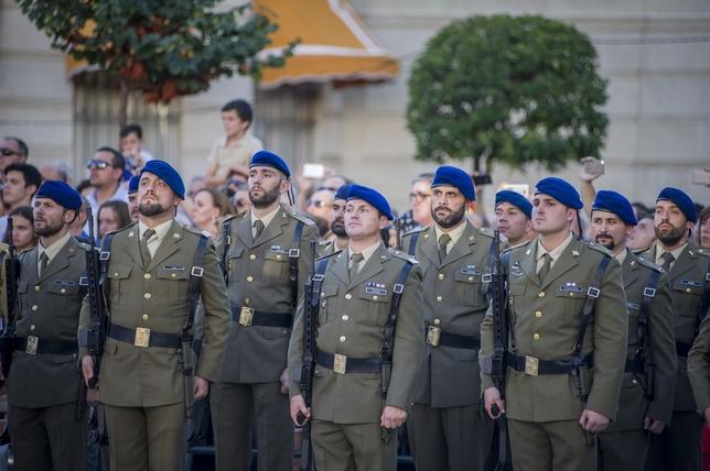 Homenaje multitudinario a España