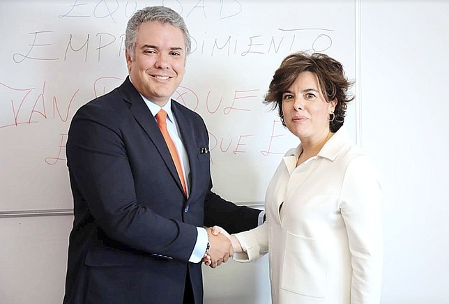 El PP cree que el debate entre los candidatos le perjudica  Equipo campaña Soraya Saéz de Sa