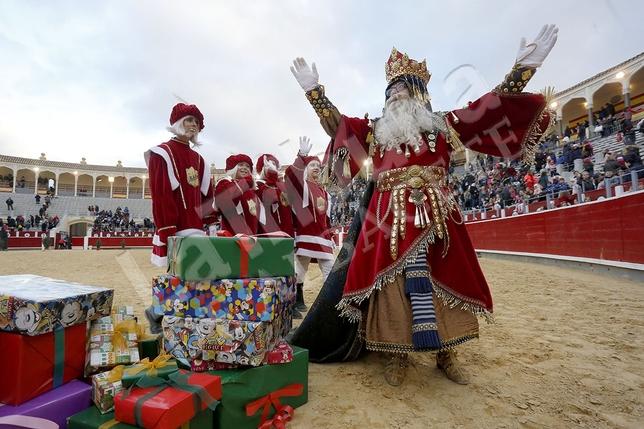 Los Reyes Magor recibieron una multitudonaria bienvenida en Albacete