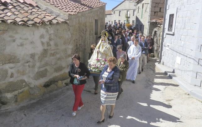 Chamartín celebra la Fiesta de  la Virgen del Rosario VICENTE GARCIA