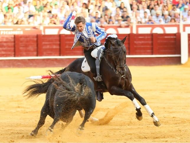 Sorprende Guillermo Hermoso en el cierre de Feria