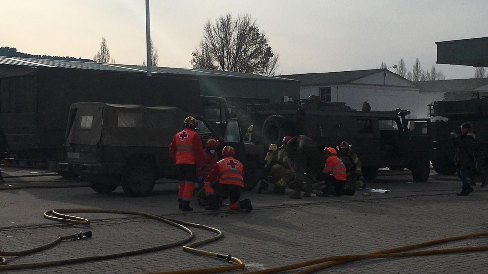 Simulacro de incendio en la base militar El Empecinado.