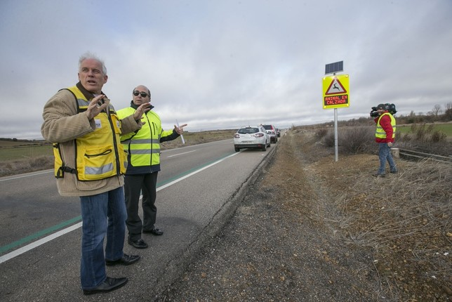 Carreteras prueba sistemas para reducir choques con animales EVA GARRfIDO