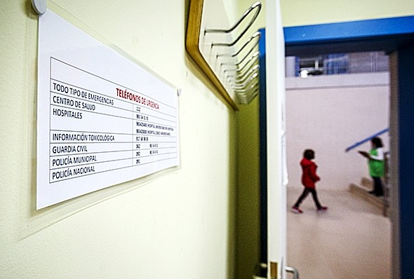 Cartel informativo para actuación en caso de emergencia. Jonathan Tajes