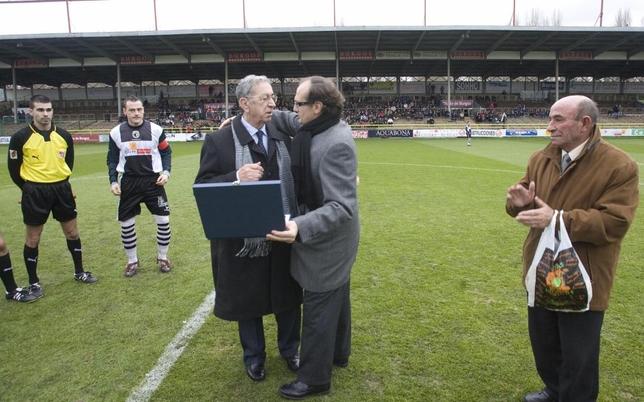 En 2010, Juan Carlos Barriocanal otorgó el título de Presidente de Honor a José Luis Preciado.