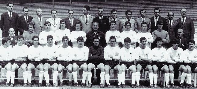 Plantilla del Burgos CF 70-71 que con José Luis Preciado de presidente ascendió a Primera División.