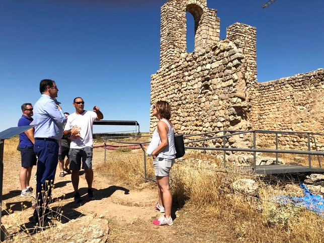Prieto visita la restauración del ninfeo de Valeria