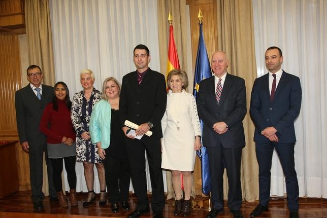 Fernando Raigal recibe la Cruz de Oro del Orden Civil