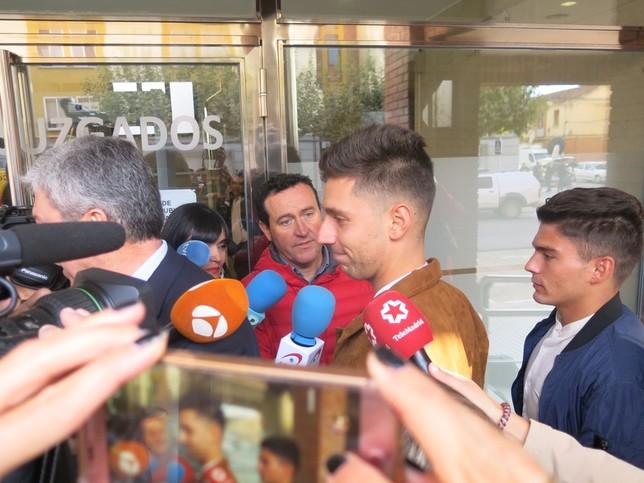 Víctor Rodríguez 'Viti' y Raúl Calvo a su llegada a los juzgados de Aranda