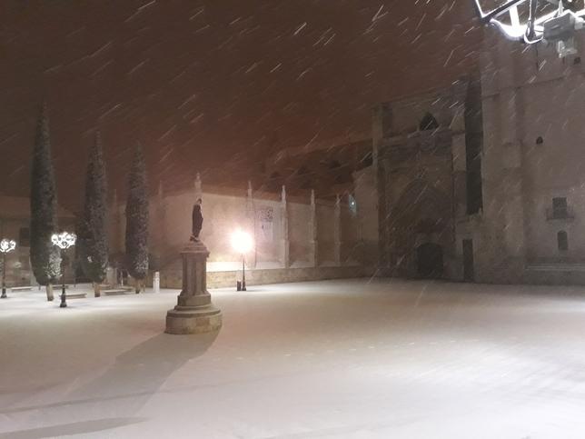 Plaza de la Inmaculada durante la nevada.