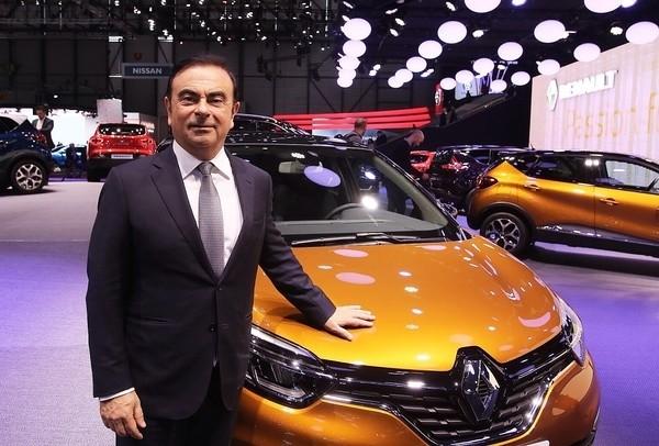 Renault cae en bolsa por la posible detención de Ghosn