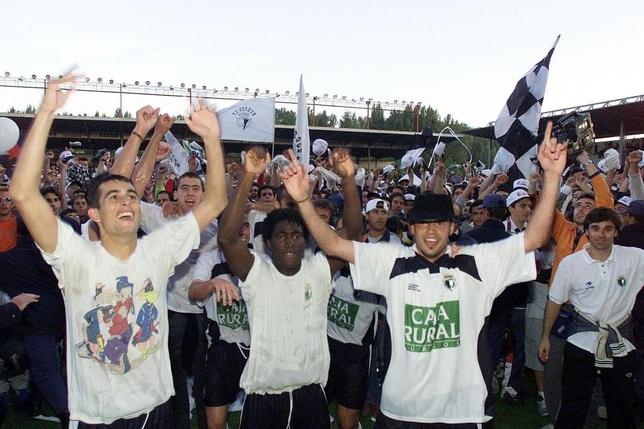 Galder Zubizarreta, Cuyami e Iñaki Bollaín, agasajados por los aficionados tras el éxito conseguido ante el Ourense.