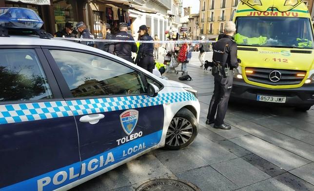 Agentes de la Policía Nacional y de la Local fueron los primeros en acudir a la llamada de urgencia.