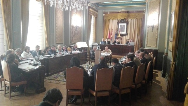 La defensa del ferrocarril unió a los grupos provinciales