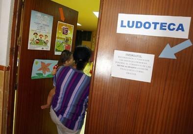 'Alcántara' reclama a la Junta el pago de la deuda con la ludoteca