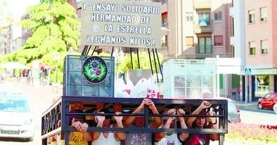 Costaleros de la Estrella repiten en Ávila 'Ensayo solidario'