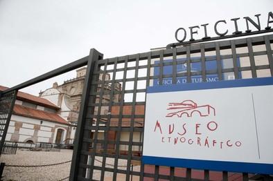 Las goteras obligan al cierre del Museo Etnográfico todo el mes