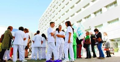Técnicos de enfermería de Ávila, invitados a trasladarse al Carlos III