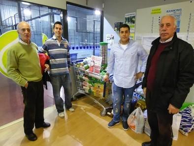 El PadelHome reúne 450 kilos de comida con su Torneo Benéfico